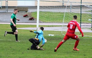 D1 : COSNE B « TOMBE » le leader LA MACHINE, 2 - 0